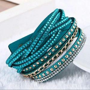 Jewelry - Decorative teal bracelet